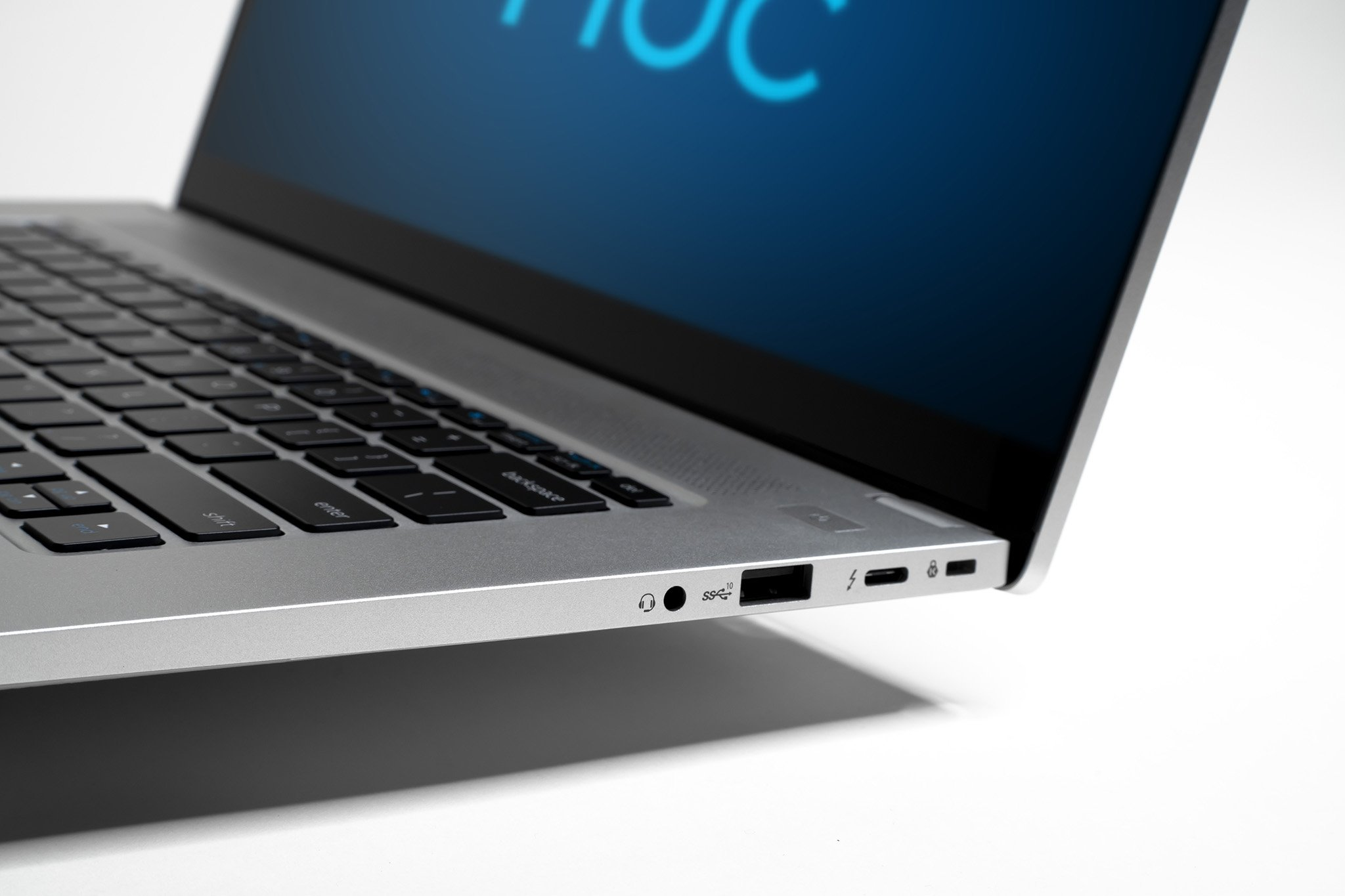 intel-nuc-m15-laptop-kit-1-jpg.11948